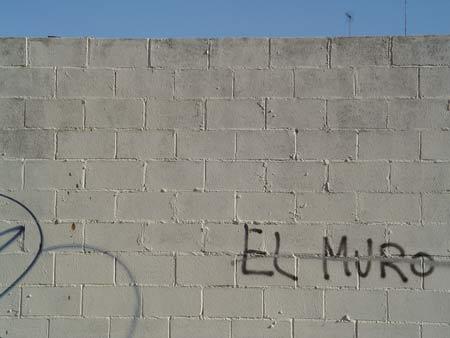 El Muro es Alto.